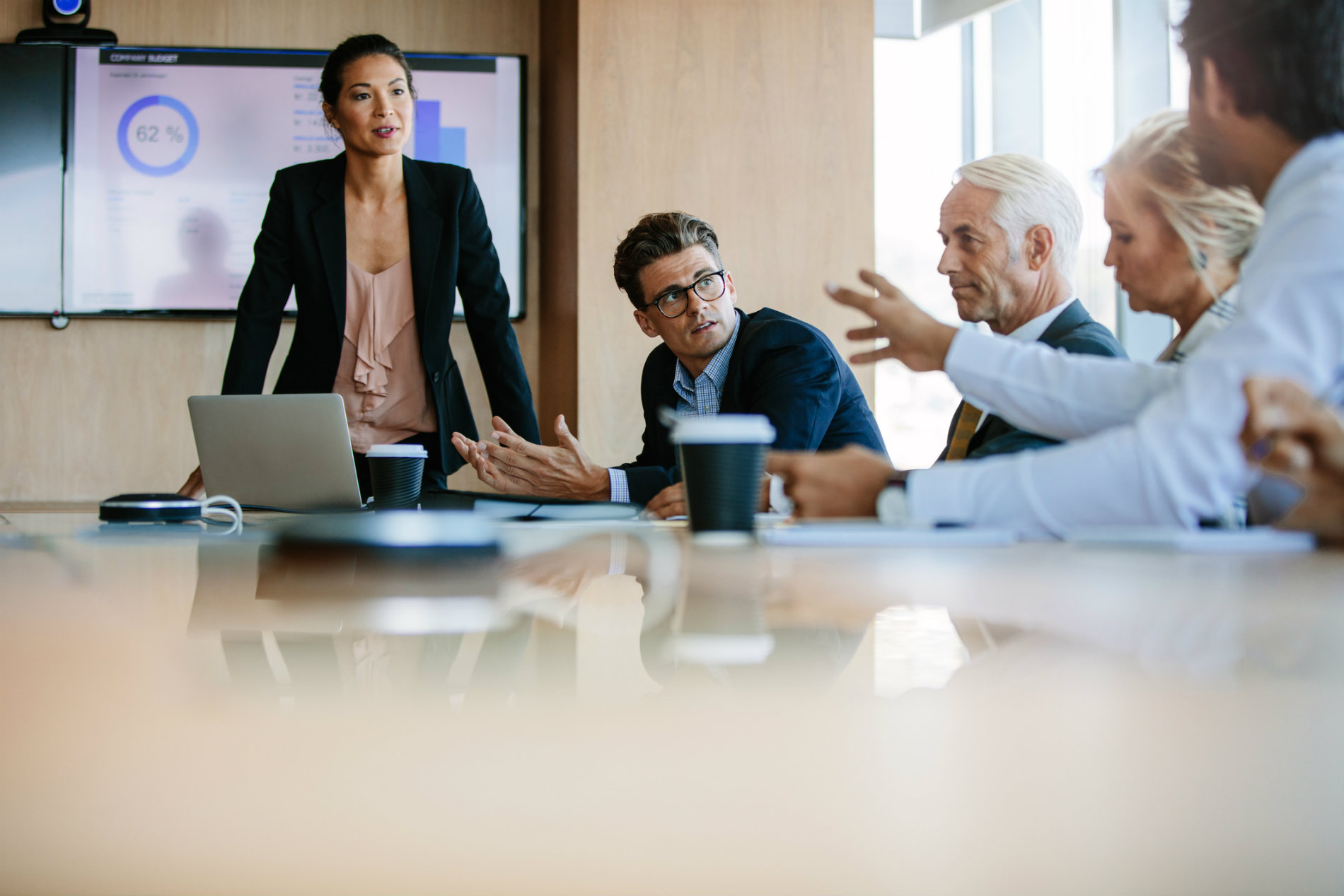 Como melhorar o relacionamento com os stakeholders da empresa?