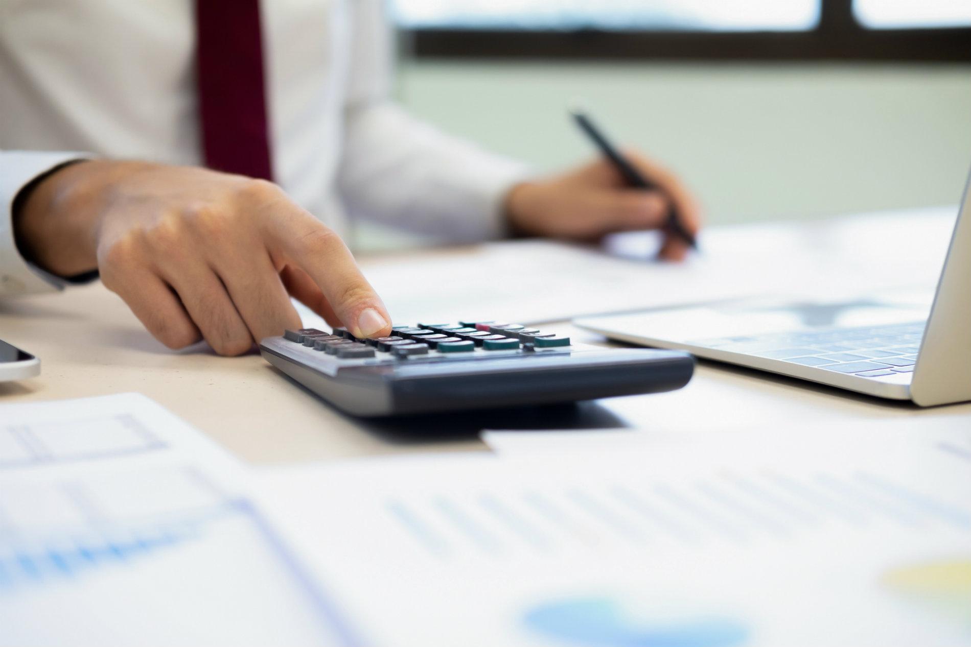 Conheça as 7 multas para empresas mais comuns e como evitá-las