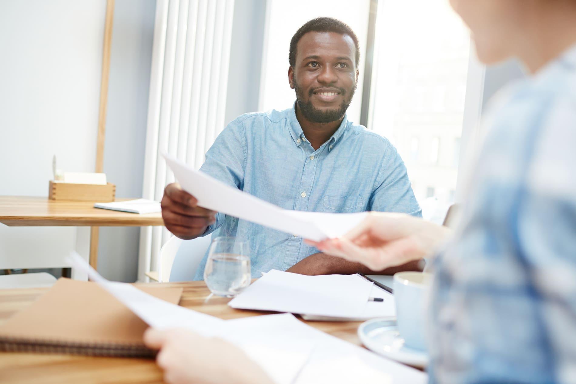 Quais as vantagens da gestão de contratos para prestadores de serviço?